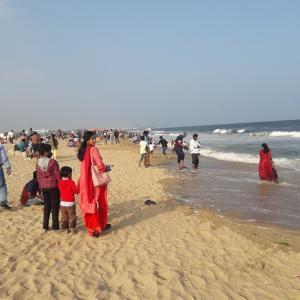 マリーナビーチ散策と、インド人スタッフのお宅訪問