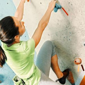 ボルダリングは運動不足解消に向いている!【理由とメリットを紹介】