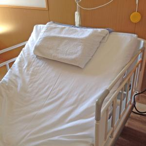 【ガン闘病記】ストーマ閉鎖当日、手術後目覚める|手術翌日、歩く練習開始
