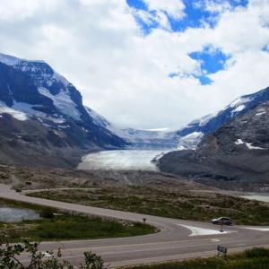氷河スキー場を守る魔法の布
