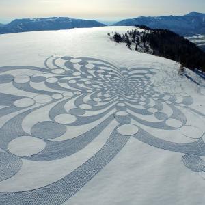 Snow Artist(雪の芸術家)Simon Beckをご存じですか?