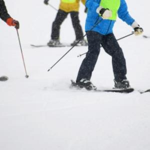 SIA公認 スキー、スノーボードスクール と SIA/SAJ対比表