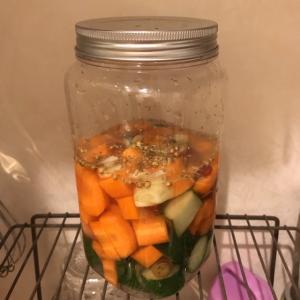野菜が余ってるのでピクルスを作った!