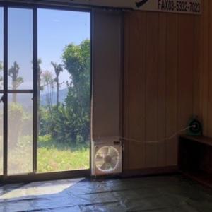 塗装用ブースを作る  窓用換気扇
