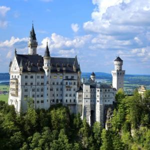 ノイシュバンシュタイン城の魅力!自然散策や山登りも楽しめる南ドイツ観光旅行記