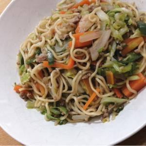 らでぃっしゅぼーやの「野菜とよく合うソース焼きそば」がめちゃめちゃ美味しい!食べ比べレポ
