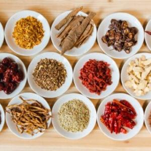 365日ゆる薬膳で食材を選んで食べて体質改善