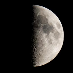 天体観測 八日月