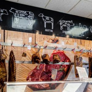 お肉好きにおすすめザグレブの肉屋とCOVID-19で下がるクロアチア通貨