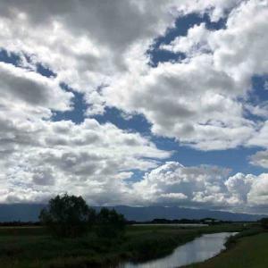 空を見上げて💕 深呼吸 空が好き🤗 9月25日【写真・空】