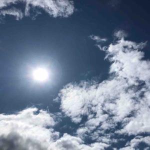 空を見上げて深呼吸 空が好き【写真・空】