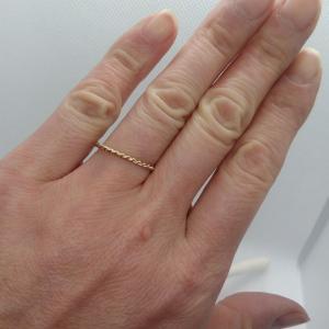 【危険】爪にUVレジンを塗ったら…