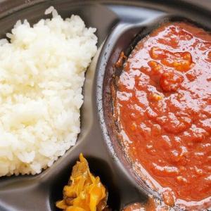 『ステーキなぐら』完熟トマトと牛すじのハヤシライス