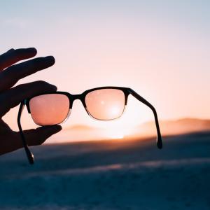 目からくる、全身日焼けと紫外線疲労から体・肌を守れ!