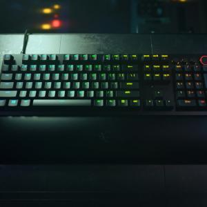 Razerから第2世代Razer オプティカルスイッチ採用の新型キーボード「Huntsman V2」を発表。ゲーマー向けマウス「Basilisk V3」も同時発売