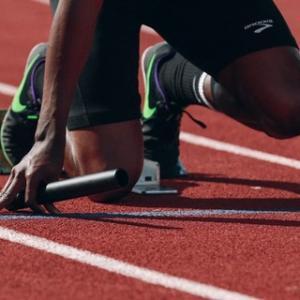 【東京五輪】陸上100m決勝のど派手演出がかっこいいと話題!反応まとめ【プロジェクションマッピング】