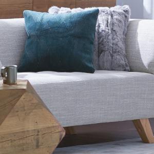 初めての1人暮らし1Kにソファ置いたらどうなる?