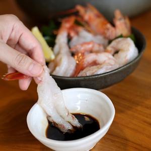 たっぷり2キロ!お刺身でも食べられる冷凍の生赤えびをおとりよせる