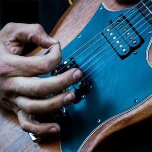 田川ヒロアキ(全盲のギタリスト)がすごいやばいかっこいい?年齢プロフィールは?