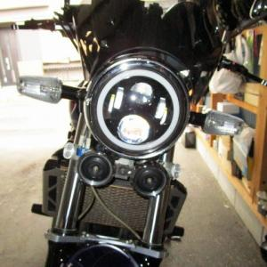 CBヘッドライト交換  マルチリフレクターからイカリング付きLEDヘッドライトに交換したら顔つきが変わった( ̄▽ ̄)