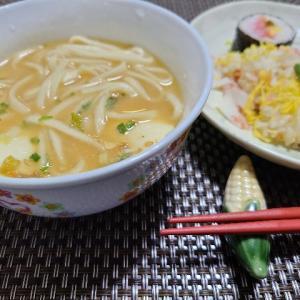 【おうちごはん】豆乳味噌チゲスープにうどん入れてみました〜