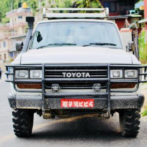 ネパールでランクル旅