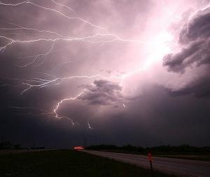 近くで雷が落ちたのに 嬉しいと感じた話
