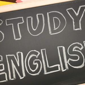 小学校の英語教育事情と日本人が英語を苦手と感じる理由。おうちで英語の勉強を取り入れる方法