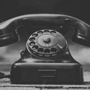 """固定電話が恐い?""""固定電話恐怖症""""が若者の間で急増中!"""