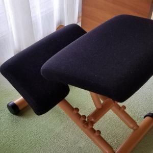 子供の姿勢には椅子、大事です。