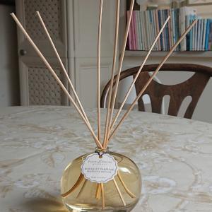 香りの良いフランス製のフレグランス・ディフューザー。