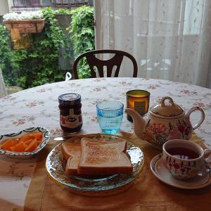 週末の朝食はゆっくりと……。(^^)