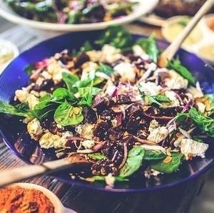 夏に欠かせない【サラダ】ドレッシング付きの簡単レシピでマンネリを解消!