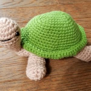 大きめのかめさん編みぐるみ