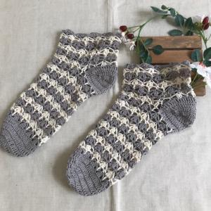 フェリシモのキット、かぎ針編みの靴下が出来ました(^^)