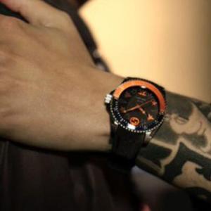 【FNATIC×GUCCI】グッチ eスポーツチームとコラボ時計をオンライン限定発売