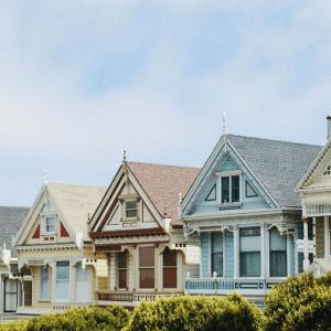 建築の振動と固有周期の基本を解説