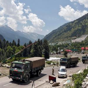 中国・係争地一部確保か、インド・軍事行動活発化