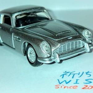 ボンドカーの代表的車種・アストンマーティン DB5です!