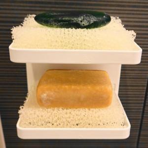 山崎実業の石鹸置きと無印のスポンジがシンデレラフィットだった