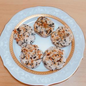【手づかみ】簡単★離乳食後期レシピ ひじき入り豆腐ハンバーグ