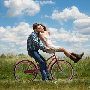 ゴルフの魅力を伝えたい!夫婦やカップルで一緒に行うと、もっと仲良しにもなれる!?