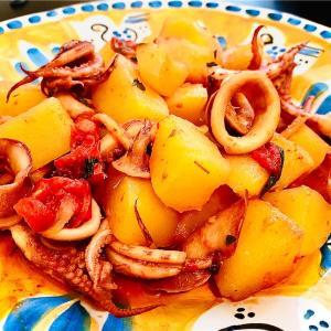 只今夏バテまっさかり!じゃがいもとスルメイカのトマト煮