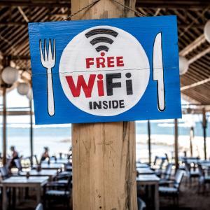 Wi-Fiはどれがいい?いいえ、どれもいりません。SIMだけあればOKです。