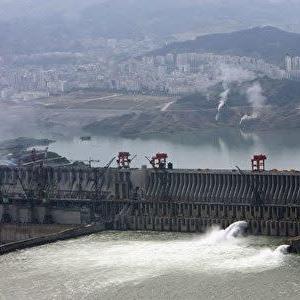 中国・三峡ダム:決壊すれば24の省で大規模な洪水!年内に中国が水没か!?