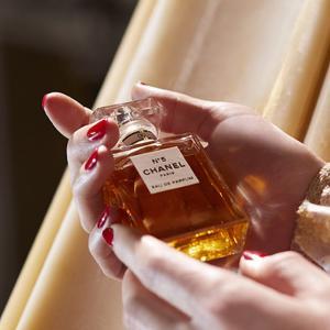 シャネルの香水 人気おすすめ12選 定番から人気の香水