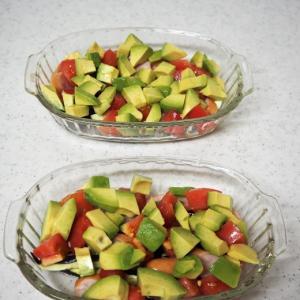 アボガドとトマトを焼いて、美味しい簡単お料理 ヒガンバナ~♡