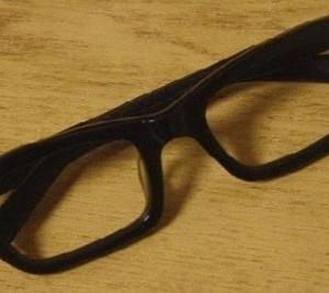 安もん玩具眼鏡の削り出しによるオレモデルの造形