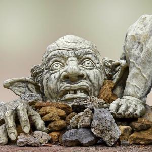 「鬼滅の刃」見たいけど怖い 子供のジレンマ