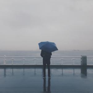コロナ禍、長引く雨。心が沈まないわけがない